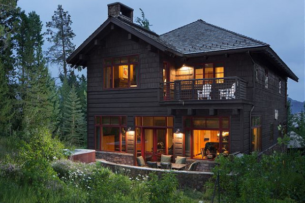 Luxury Three-story Cabin