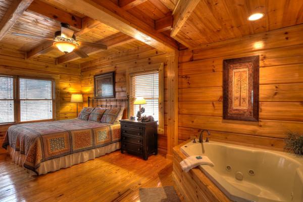Master Bedroom & Tub