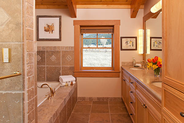 Bath - Elk Refuge - Jackson Hole Luxury Vacation Cabin
