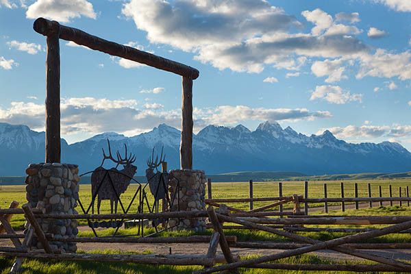 Entrance - Elk Refuge - Jackson Hole Luxury Vacation Cabin