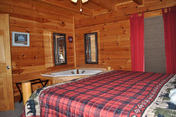 Bedroom & Tub