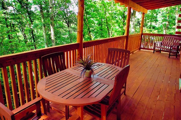 Pinecone Cabin Backdeck