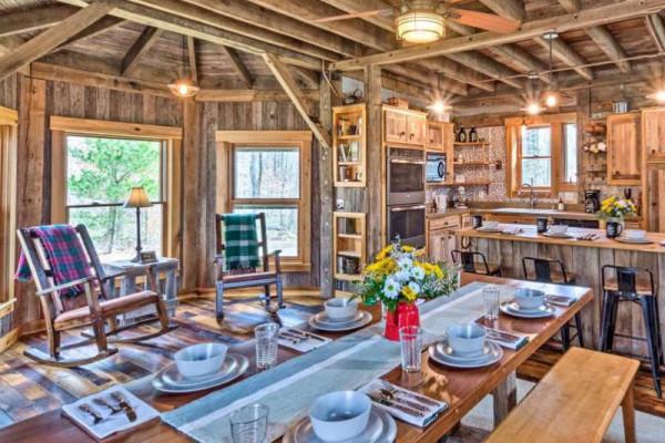 Table & Kitchen