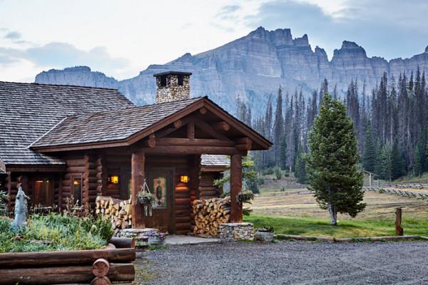 Brooks Lake Lodge and Spa