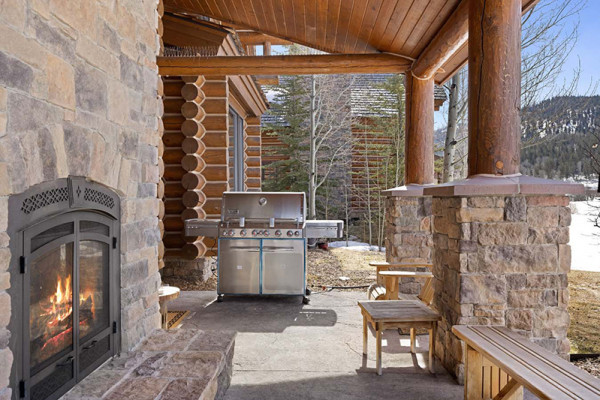 Exterior Fireplace and Grill