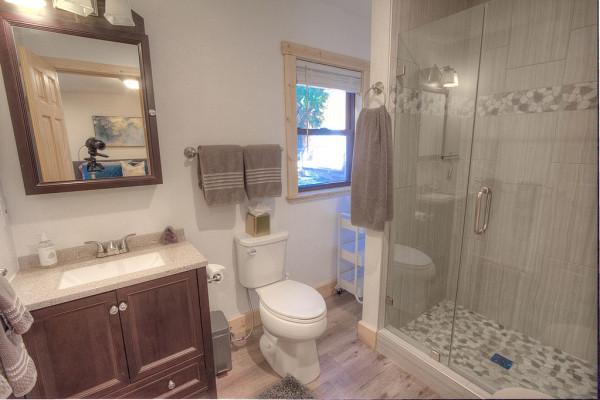Oak Scape Bathroom
