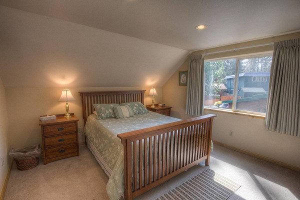 Meadow Lake Lodge Bedroom