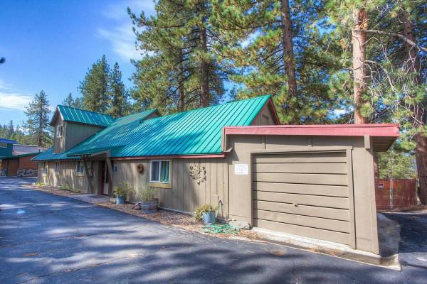 Meadow Lake Lodge Exterior