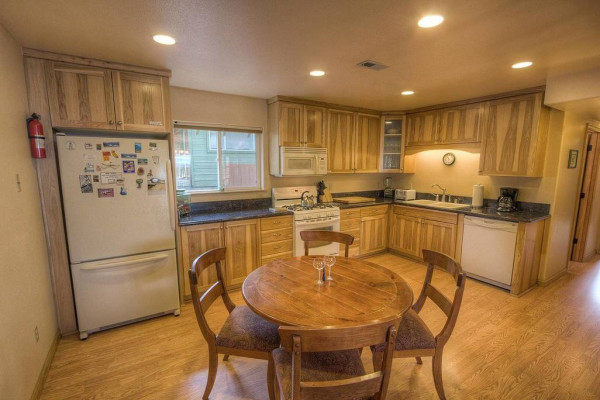 Meadow Lake Lodge Kitchen
