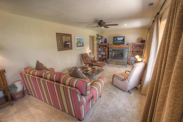 Meadow Lake Lodge Living Area