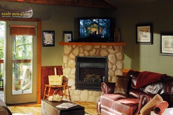 Living/Fireplace