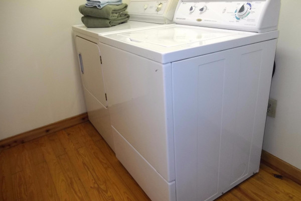 Washer/Dryer on-site