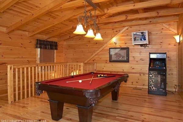 Book southern comfort gatlinburg tennessee all cabins - Gatlinburg falls resort swimming pool ...