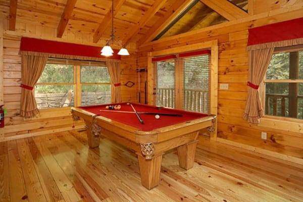Book the honeymooner gatlinburg tennessee all cabins - Gatlinburg falls resort swimming pool ...