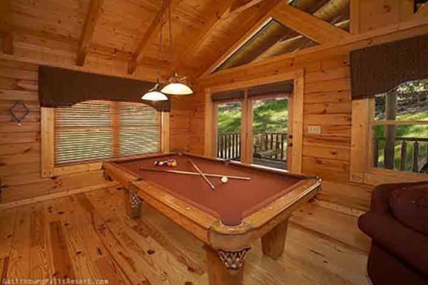 Book almost paradise gatlinburg tennessee all cabins - Gatlinburg falls resort swimming pool ...