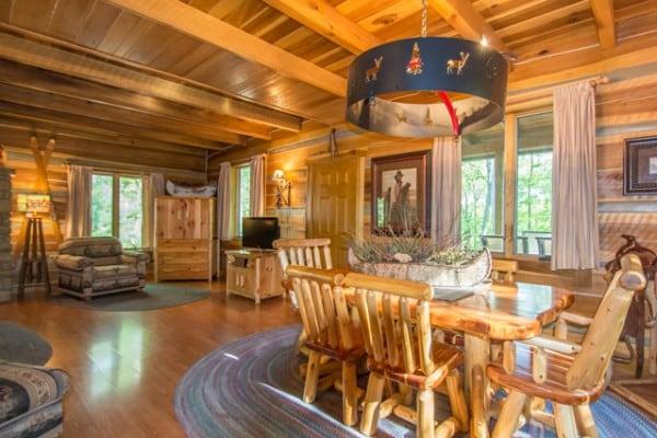 Book Aspen Leaf Log Cabin, Nashville, Indiana - All Cabins