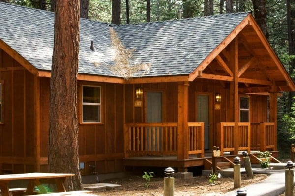 Book deluxe cabin yosemite national park all cabins for Yosemite national park cabin rentals