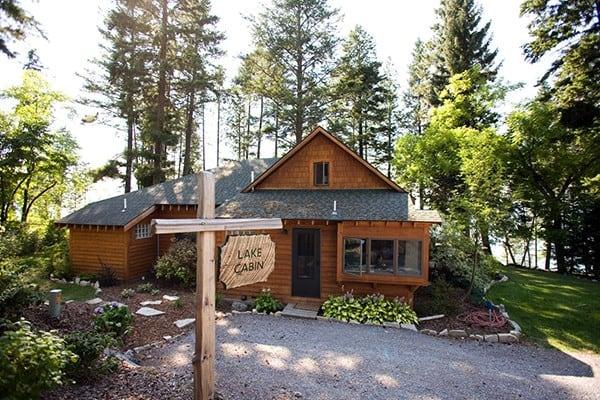 Book lake cabin glacier national park all cabins for Glacier national park cabin rentals
