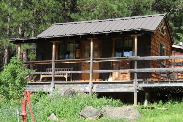 Exterior Meadowlark Cabin