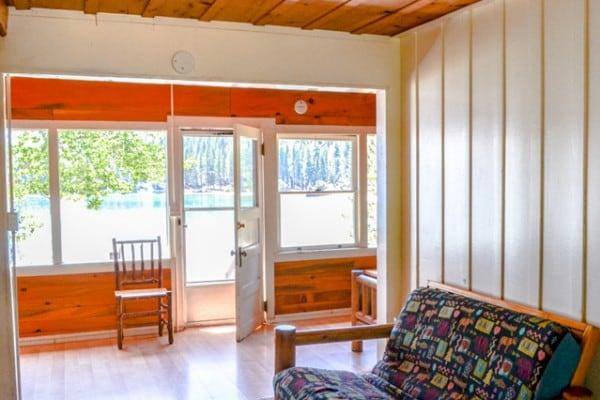Cabin: Exterior; Entry