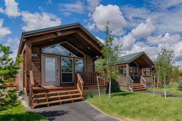 West Yellowstone Montana Cabin Rentals Amp Getaways All