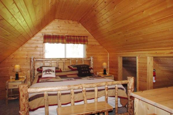 Aspen Cabin - Loft Bedroom
