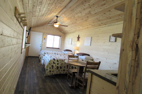 Drift Lodge Cabin - Bed 1