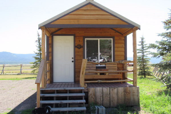 Drift Lodge Cabin - Exterior