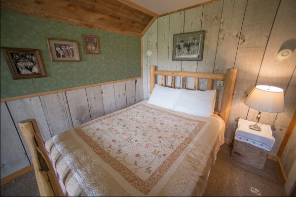 Cabin Four - Bed