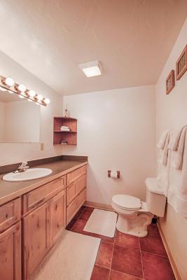 Absaroka Cabin - Bath