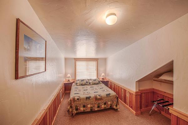 Absaroka Cabin - Bed 4