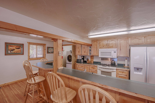 Absaroka Cabin - Kitchen 2
