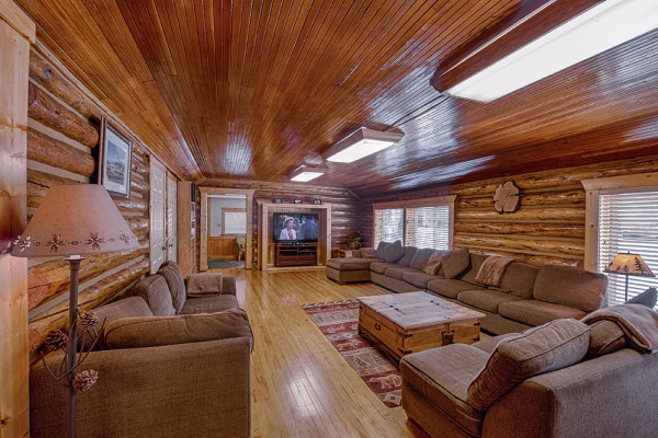 Absaroka Cabin - Living Room