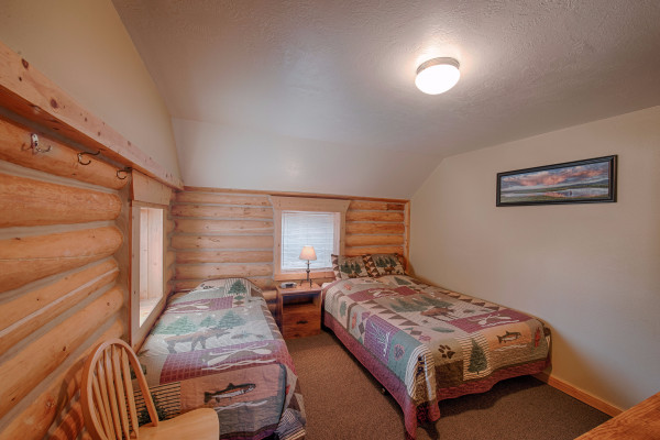 Gallatin Cabin - Bed 1