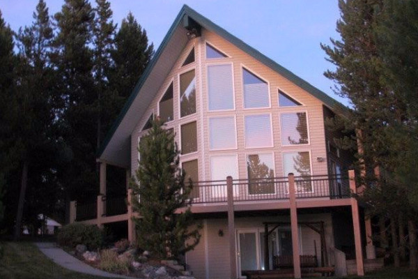 West Yellowstone, Montana Cabin Rentals & Getaways - All Cabins