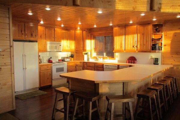 Lakeside Luxury Cabin - Kitchen