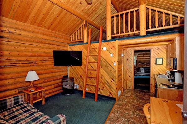 Lakeside Cabin - inside