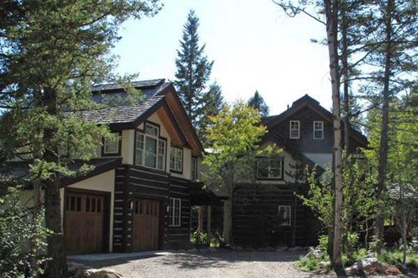 Exterior of Cottagewood House in Teton Village - Summer