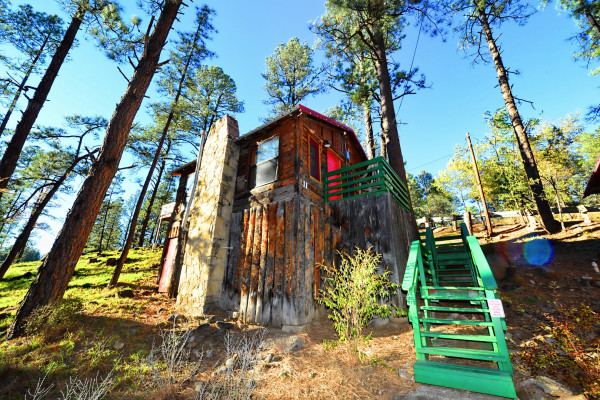 Sierra Blanca Features 9 Cabins Located Along The Rio Ruidoso River.  Exterior