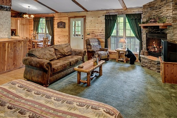 Book bear cub cabin eureka springs arkansas all cabins for Cabine eureka ca
