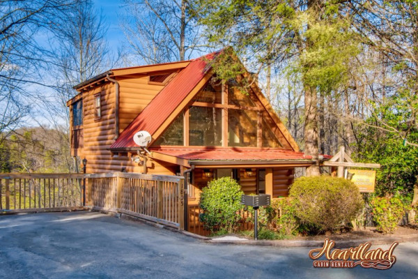 Book Kiss Me Goodnight, Gatlinburg, Tennessee - All Cabins