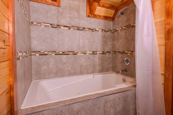 Luxury Tub/Shower