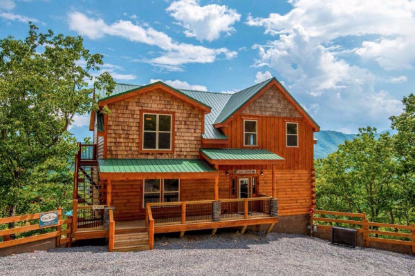 with cabins luxury sunrise pin pool splashing log bedroom pools bath private cabin heated indoor