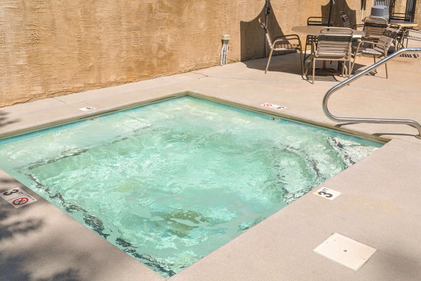 Outdoor Accessible Hot Tub