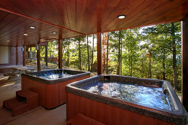 Book timber lodge pigeon forge tennessee all cabins for Cabin rentals in maine with hot tub