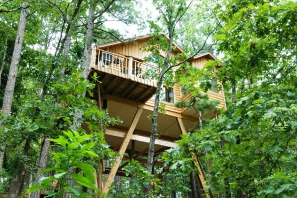 book towering pines treehouse eureka springs arkansas all cabins rh allcabins com treehouse cottages eureka springs reviews