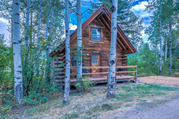 Book woodshack cabin at perry mansfield steamboat springs for Cabins in steamboat springs