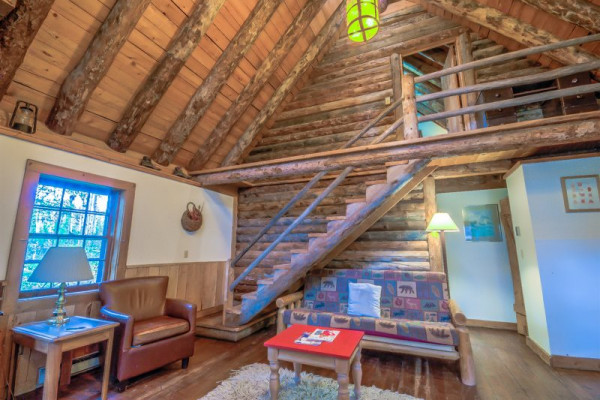 Book woodshack cabin at perry mansfield steamboat springs for Steamboat springs cabins for rent