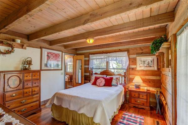 2nd view of Queen Bedroom