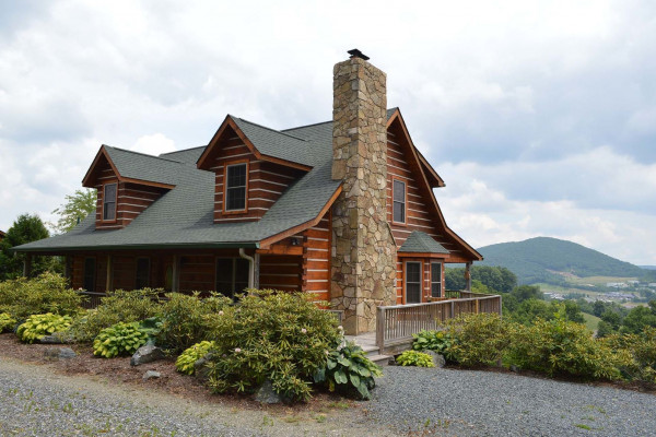 Boone north carolina cabin rentals getaways all cabins for Appalachian mountain cabins